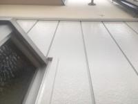 帯板から上は未施工、下は施工済みです。比べて見て下さい