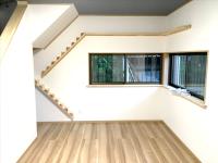 洋室、猫用階段施工完了