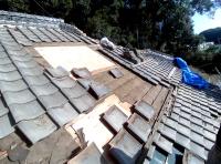 台風被害の為、屋根補修工事