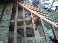 屋根、隅木等折れていた屋根板下地を治した工事
